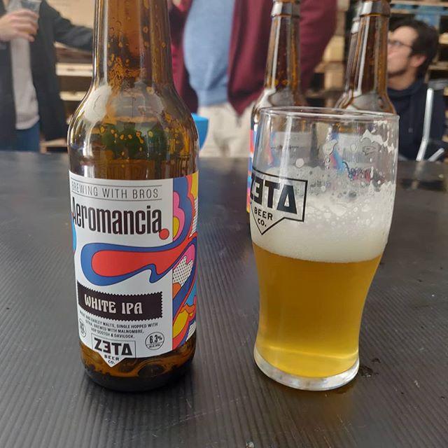 Cerveza Aeromancia de Zeta Beer