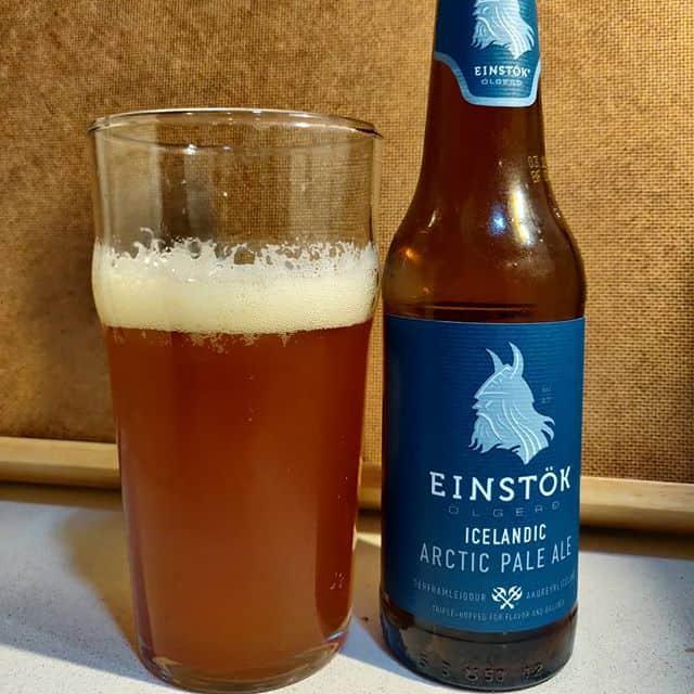 Cerveza Einstok Iceland Pale Ale.