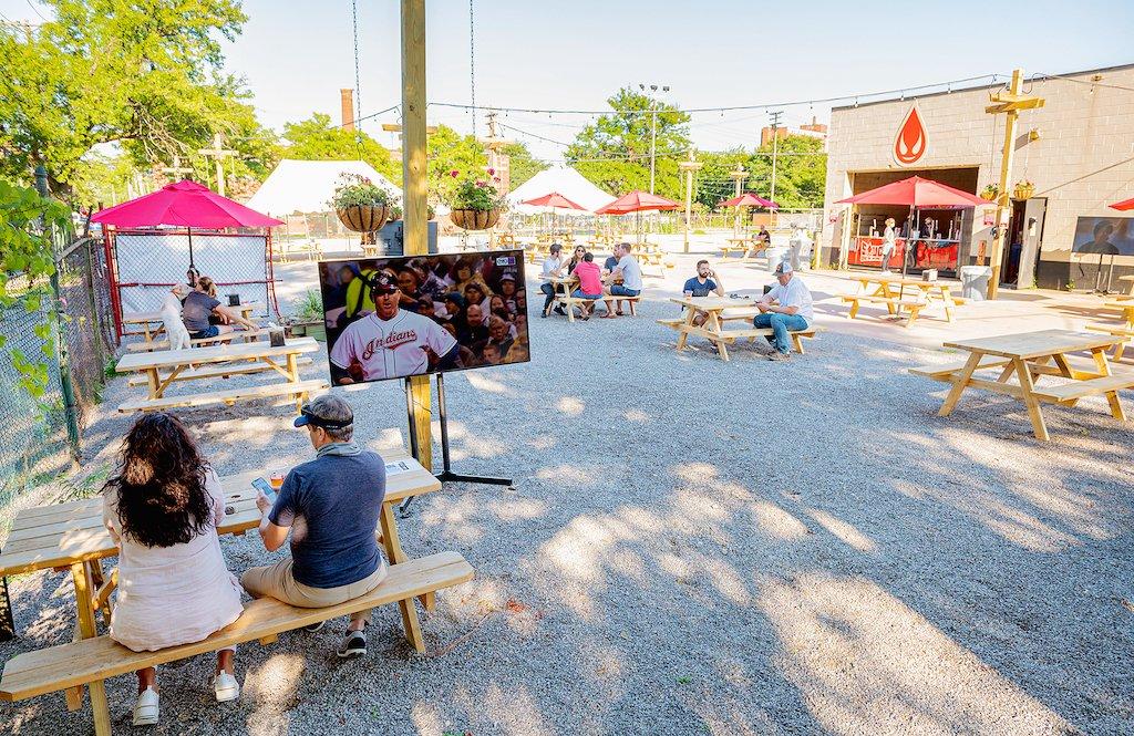 Saucy Brew Works arranca el verano a Vibe Garden mayo de 2021 • cerveza , 5